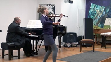 undefined13 year old Borrower Teyha Dawson playing Schubert's The Bee on her Benslow violin